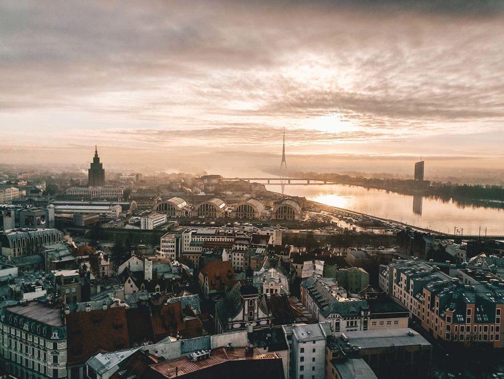 Skyline-bilde av Riga.